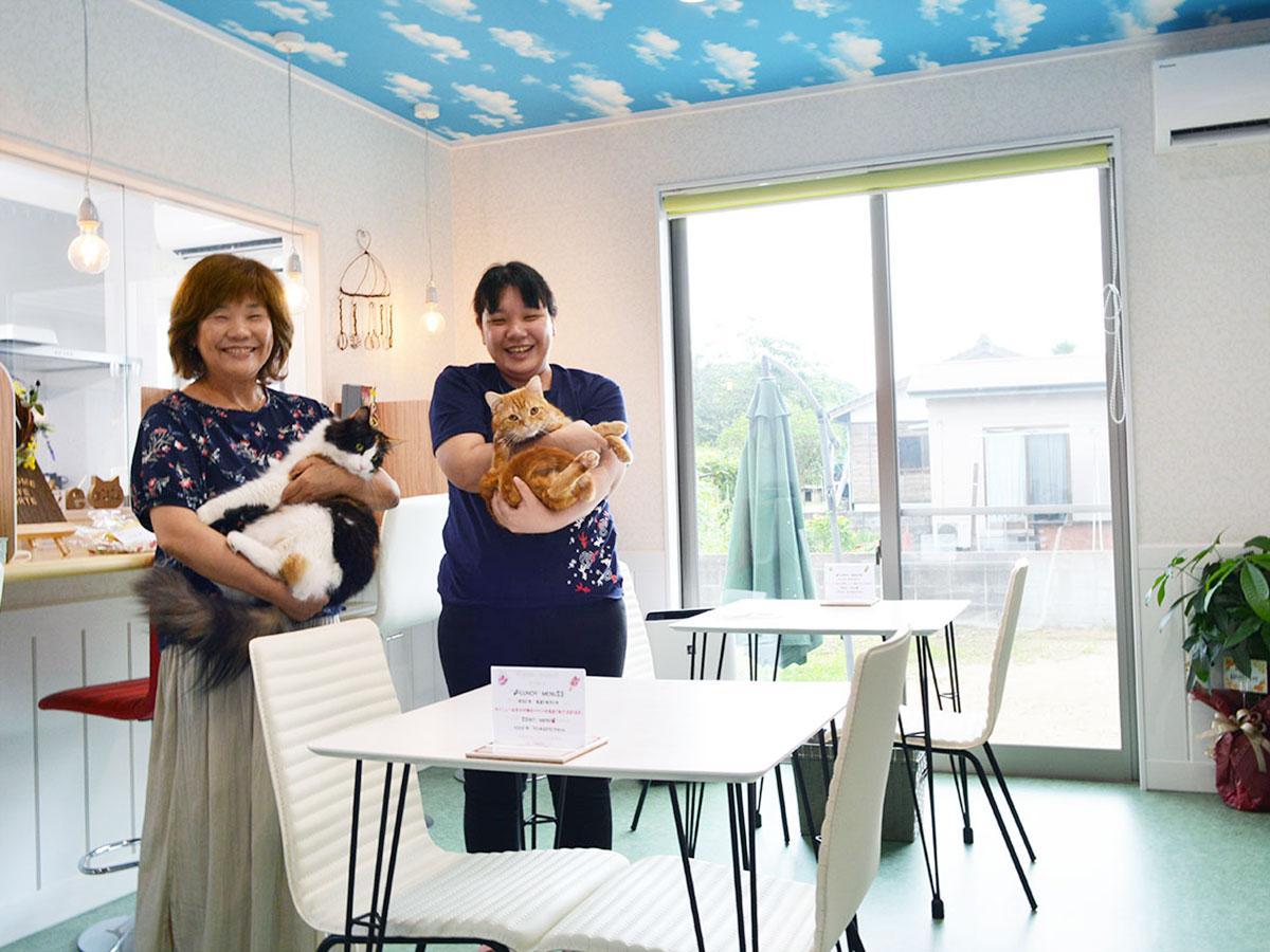 「愛らしいネコに癒やされてほしい」と店主・香川さんと娘の大島さん