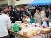 宇部・新天町で「パン×まちなかマルシェ」 県内外のパン、地元特産品が集結