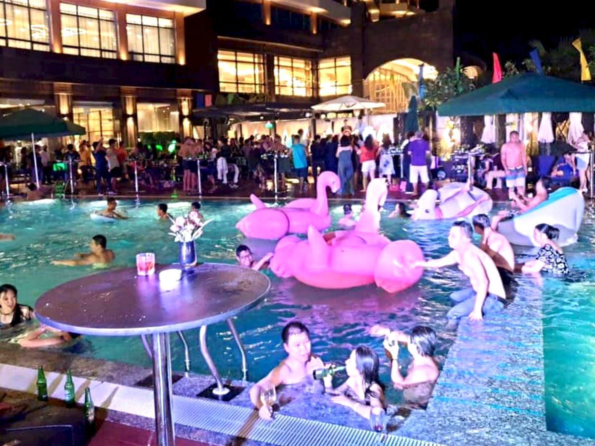 昨年の「Drive in Pool Party」