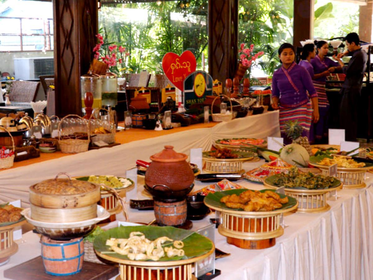 「Shan Yoe Yar Restaurant」Warden 店の様子