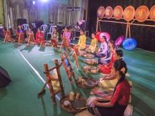 ヤンゴンでミャンマーの昔と今を比較するフェス ダンスショーや伝統化粧コンテストも