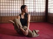 横須賀の古寺でタイ式ヨガ「ルーシーダットン」-東光寺・薬師堂でワークショップ