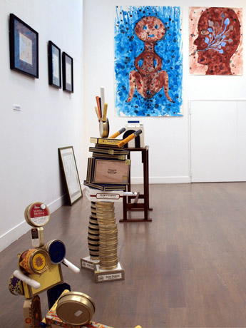 横須賀・カスヤの森現代美術館で「文芸のまなざし?」展。俳優の三国連太郎さんほか詩人・陶芸家・天文学者など各界で活躍する5人が出展。