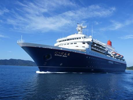 横須賀新港に寄港する豪華客船「にっぽん丸」(写真提供=商船三井客船)