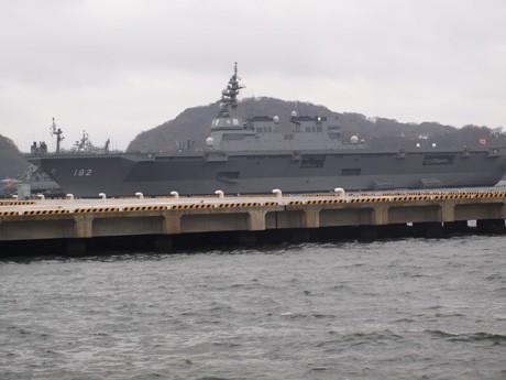 横須賀本港に寄港した新型ヘリ搭載護衛艦「いせ」
