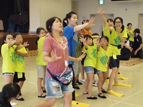 SUKAミュー公演「ナミとチャル~日本の国創りは走水から始まった?!」のリハーサル風景