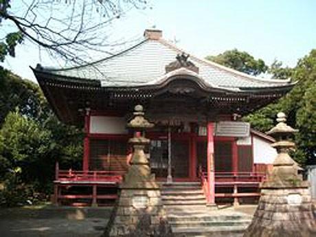 武山山頂にあり、航海安全と無病息災を祈願する「武山不動」の本堂