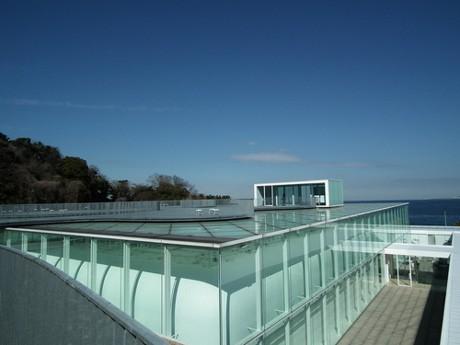 絶景美術館ランキング5位にも選ばれた横須賀美術館
