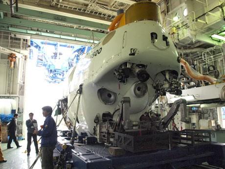 世界有数の有人潜水調査船「しんかい6500」などを公開