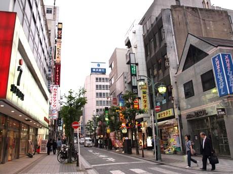 横須賀中央駅前の飲食店街で、「まちコン横須賀」開催