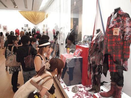 横須賀美術館「ラルク展」、チケット販売2万枚突破-開館以来、最高記録に