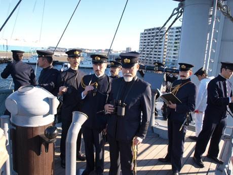 日本海海戦の歴史画「三笠艦橋の図」を再現した時代考証グループ