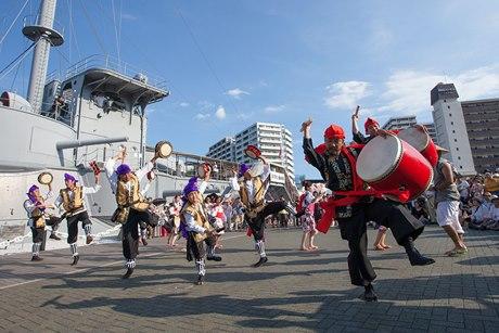 沖縄ミュージシャンが勢ぞろいする「いーちゃ・イチャ フェス」(前回の様子)
