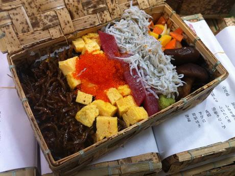若手農家の地野菜や海産物を使った「横須賀寿司海苔だんだん弁当」