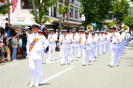 国内外からマーチングバンドが集結する「横須賀パレード」