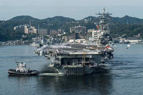10月1日、横須賀に入港した米海軍の空母ロナルド・レーガン(USS RONALD REAGAN【CVN76】より)