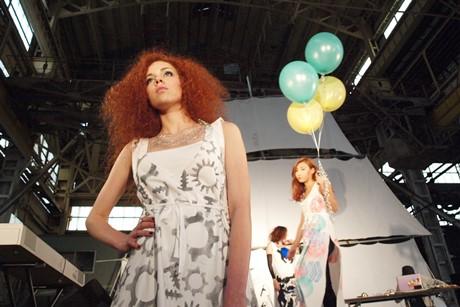 旧浦賀ドック・機関工場を舞台にファッションショー