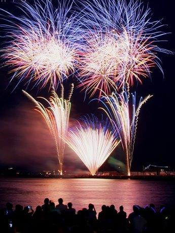 3,500発の花火を打ち上げるペリー祭花火大会