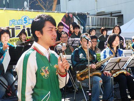 「横須賀をジャズの街に」と話す小泉進次郎さん