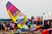 ウインドサーフィンW杯、2年連続で横須賀へ 来年5月開催