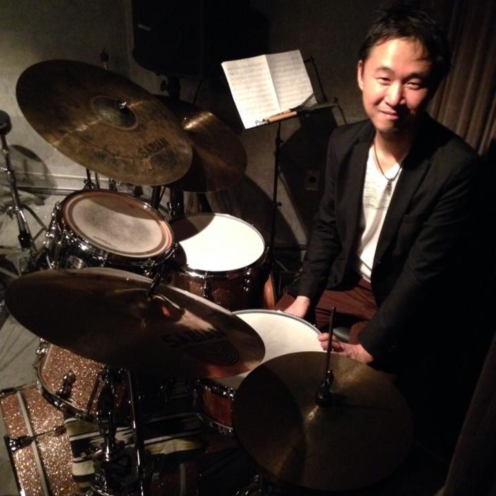 国内外で活躍する横須賀出身のドラマー、力武誠さん