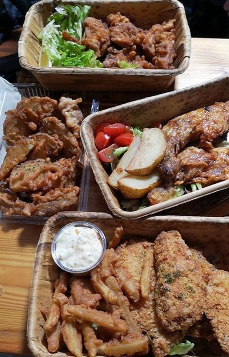テークアウトを強化する飲食店が増えている(横須賀ビールのテークアウト商品)