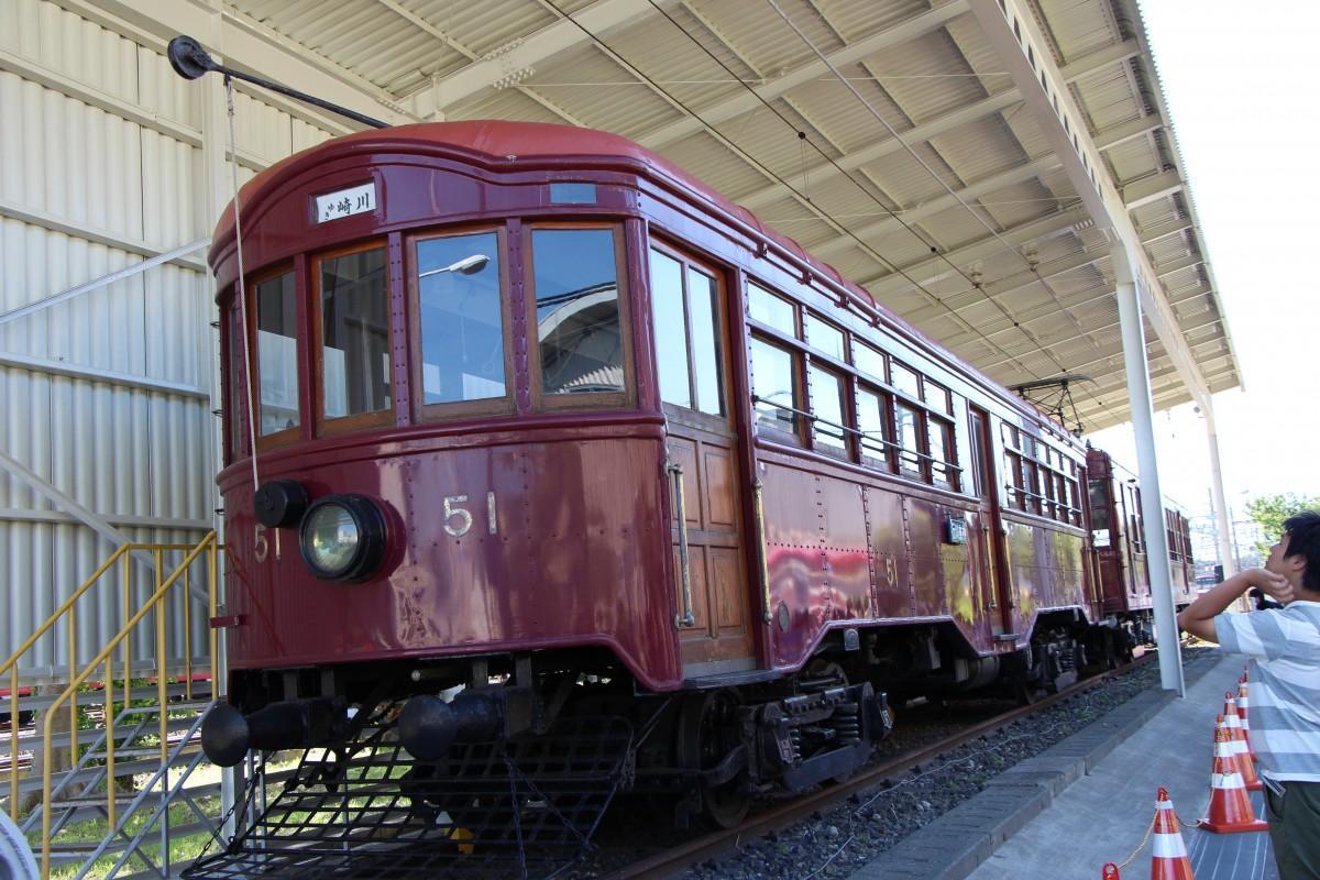 大正時代に登場した京急「デ51形」復元車両(久里浜工場の様子)