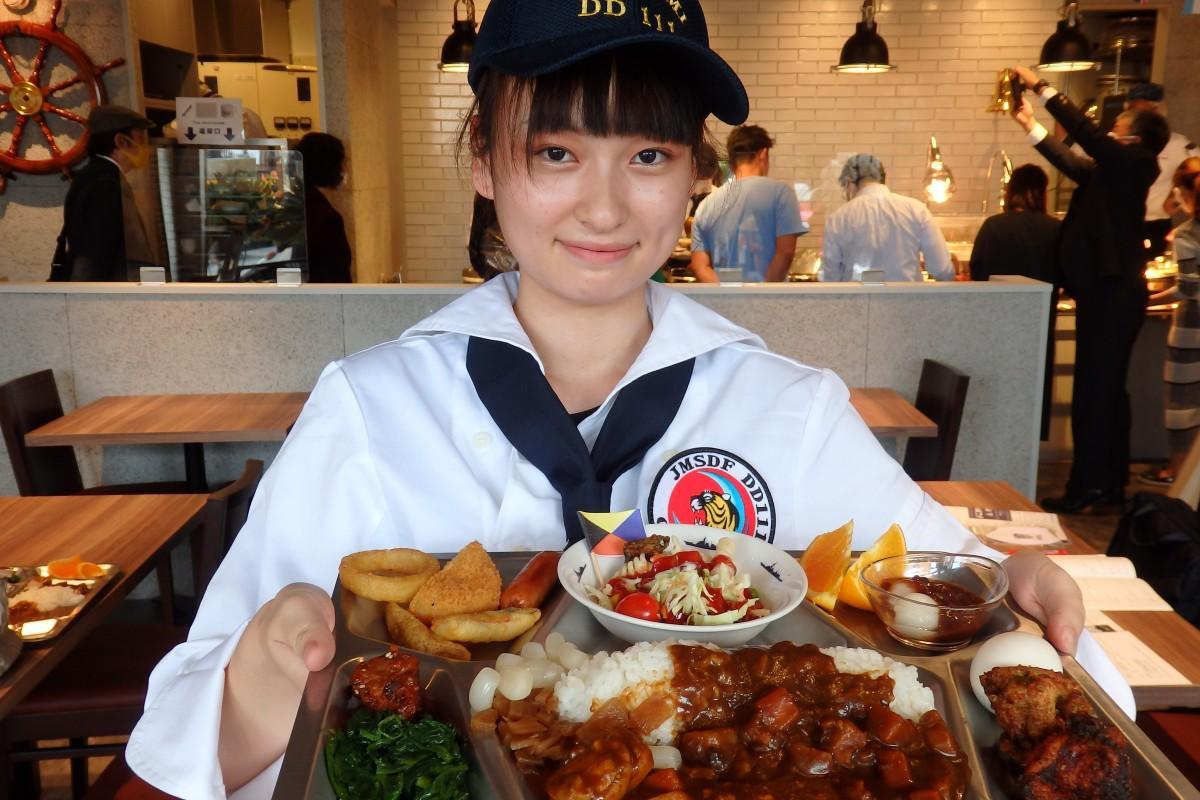 海自カレーをビュッフェ形式で提供する「横須賀海軍カレー本舗ベイサイドキッチン」