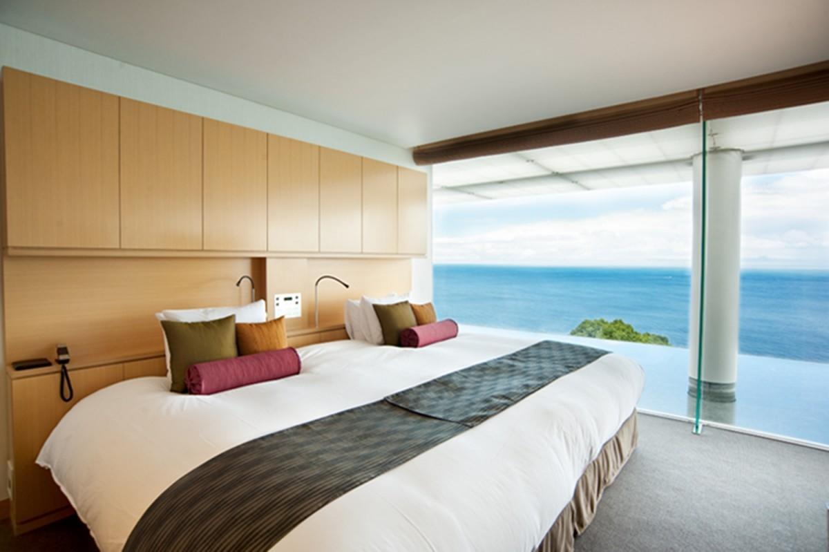 高級リゾートを志向する「ふふ城ケ島」の客室イメージ