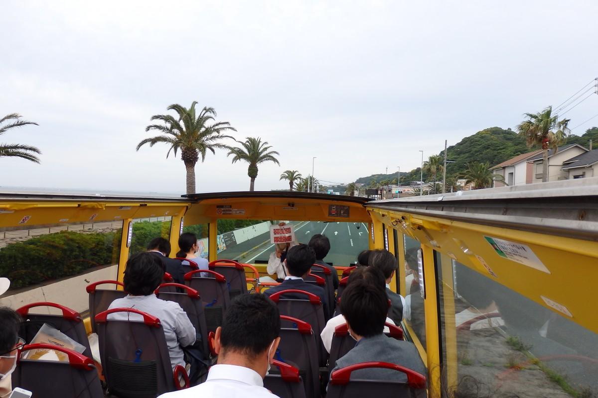 京急2階建てオープントップバスを使った開放感溢れるルート観光「潮風遊覧コース」