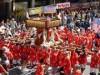 横須賀、日米交流「みこしパレード」  米海軍基地開放も