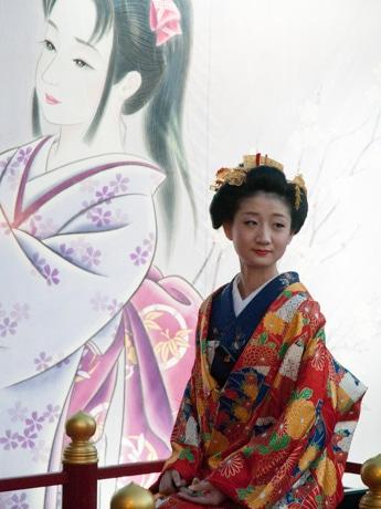 七夕絵どうろうまつり「京都奥様の七夕御観覧」(2016年)の様子