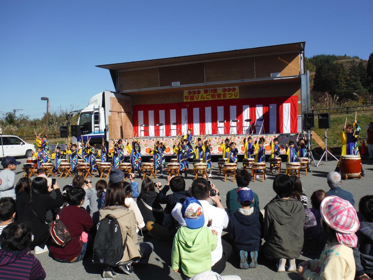 「平鹿りんご味覚まつり」のステージイベントの様子(写真は昨年)