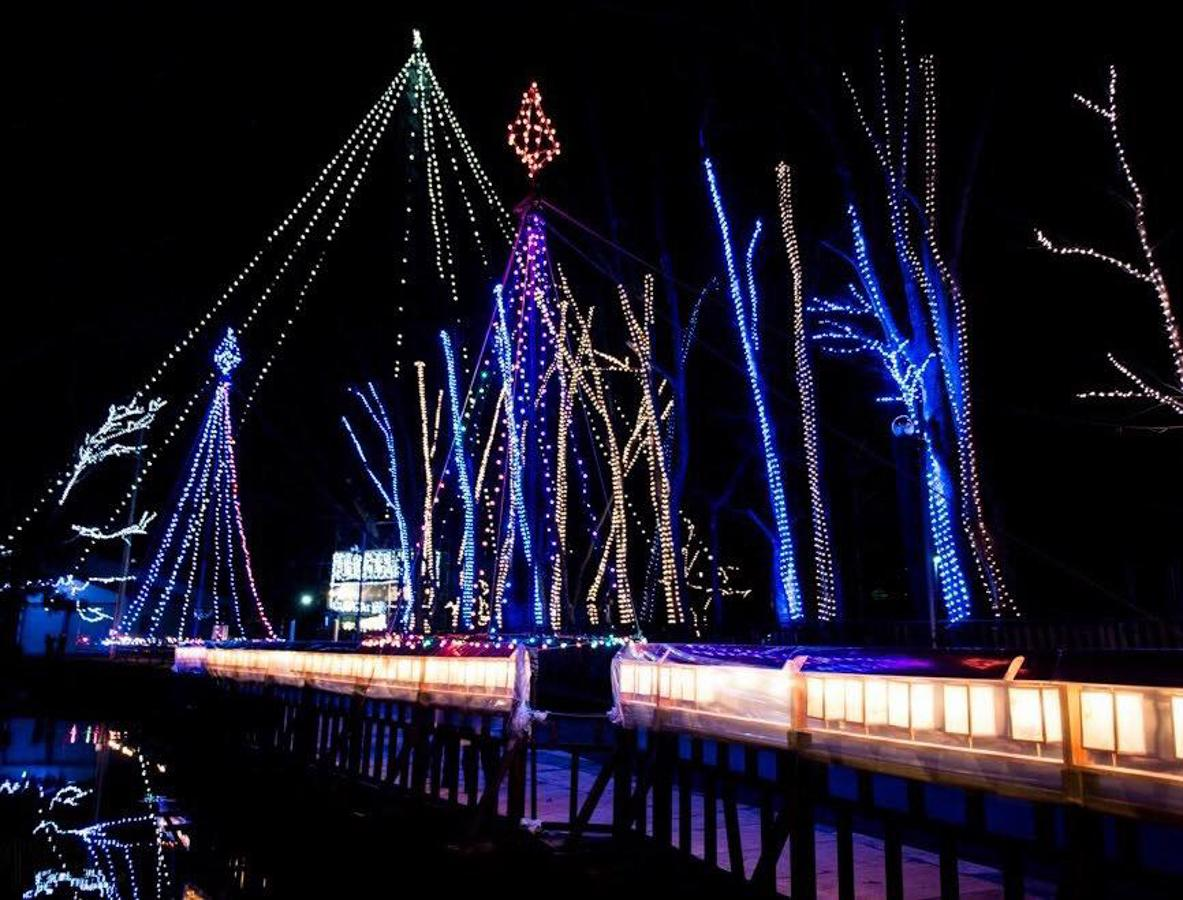 横手市内設ける「槻の木光のファンタジー」の様子(写真は2015年)