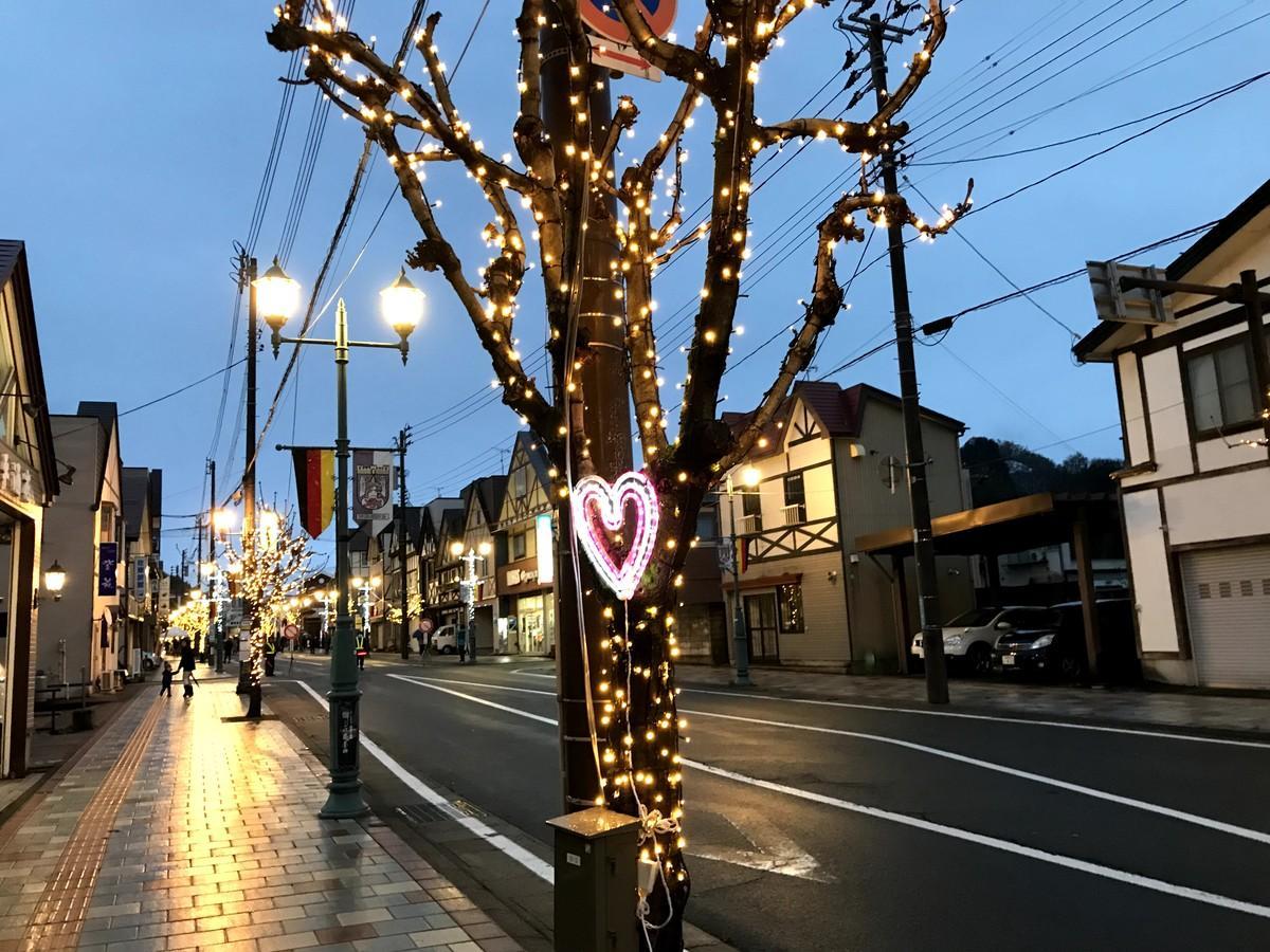 湯沢市の商店街のイルミネーション「光のフュージョン」(写真は昨年)