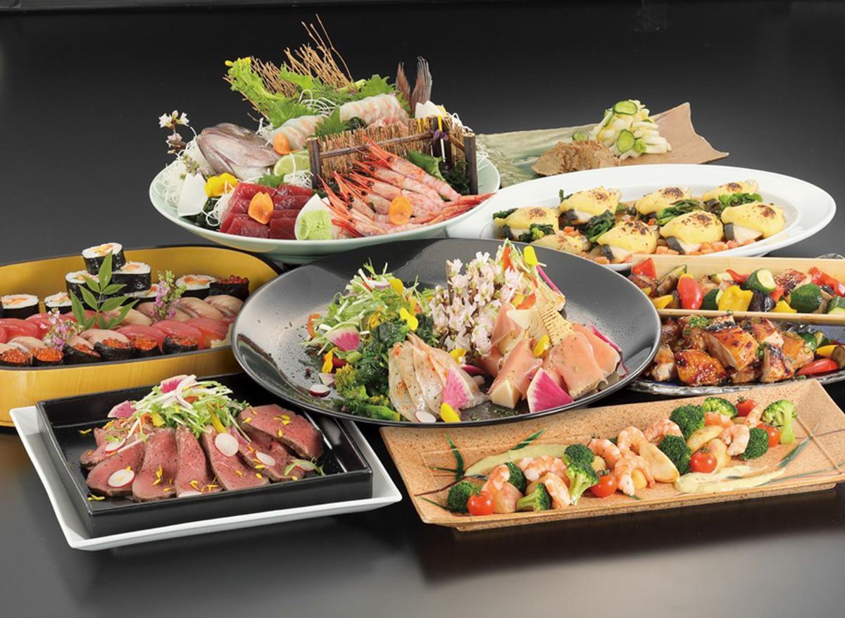 横手駅前の宿泊施設「ゆうゆうプラザ」が販売するケータリングメニュー「宴会大皿料理」