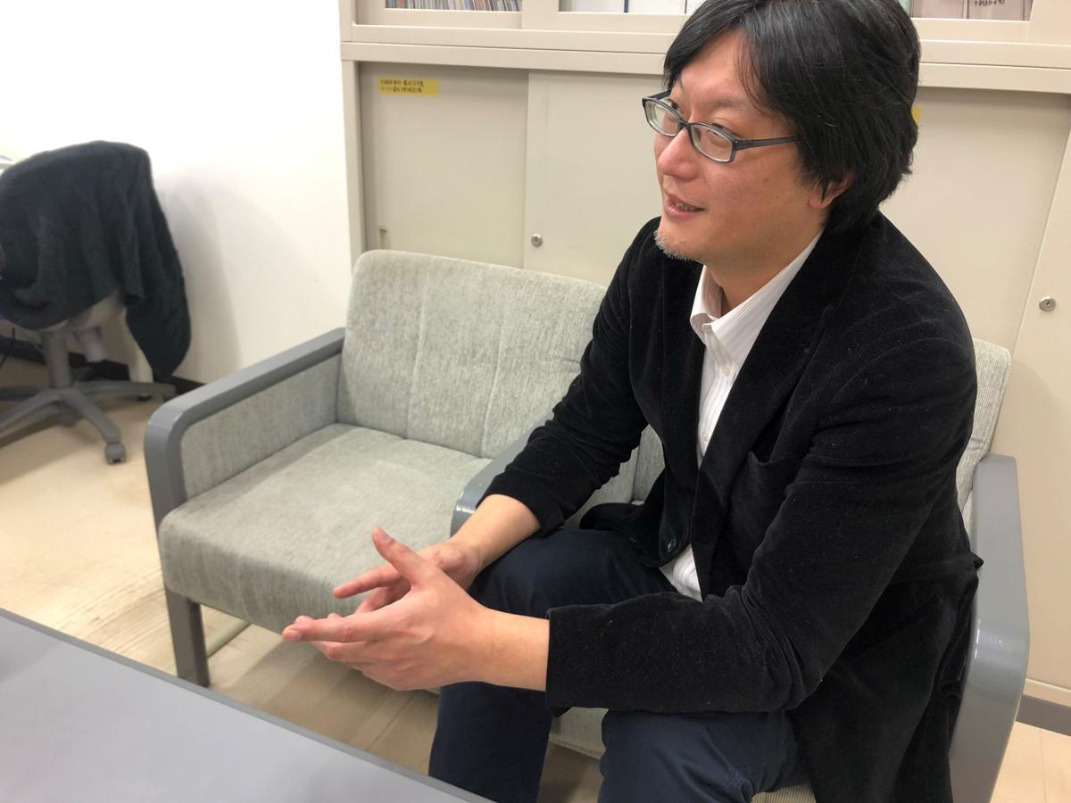 横手コミュニティFM放送の小笠原豊局長