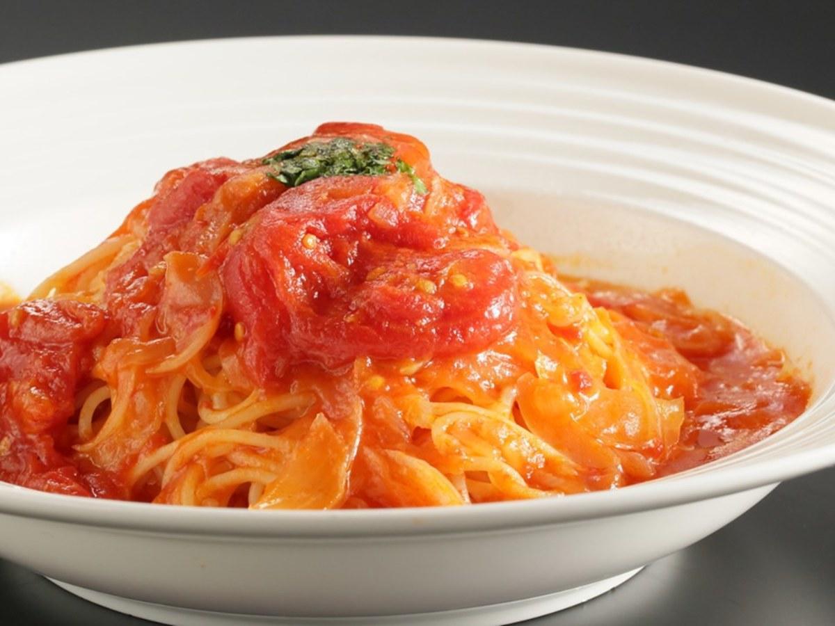 横手駅前のイタリアンレストラン「コスモス」のエビのトマトクリームパスタ