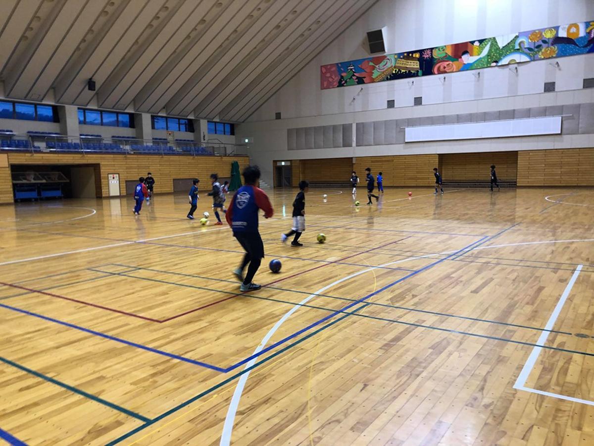 練習を再開した小中学生サッカーチーム「横手FC」