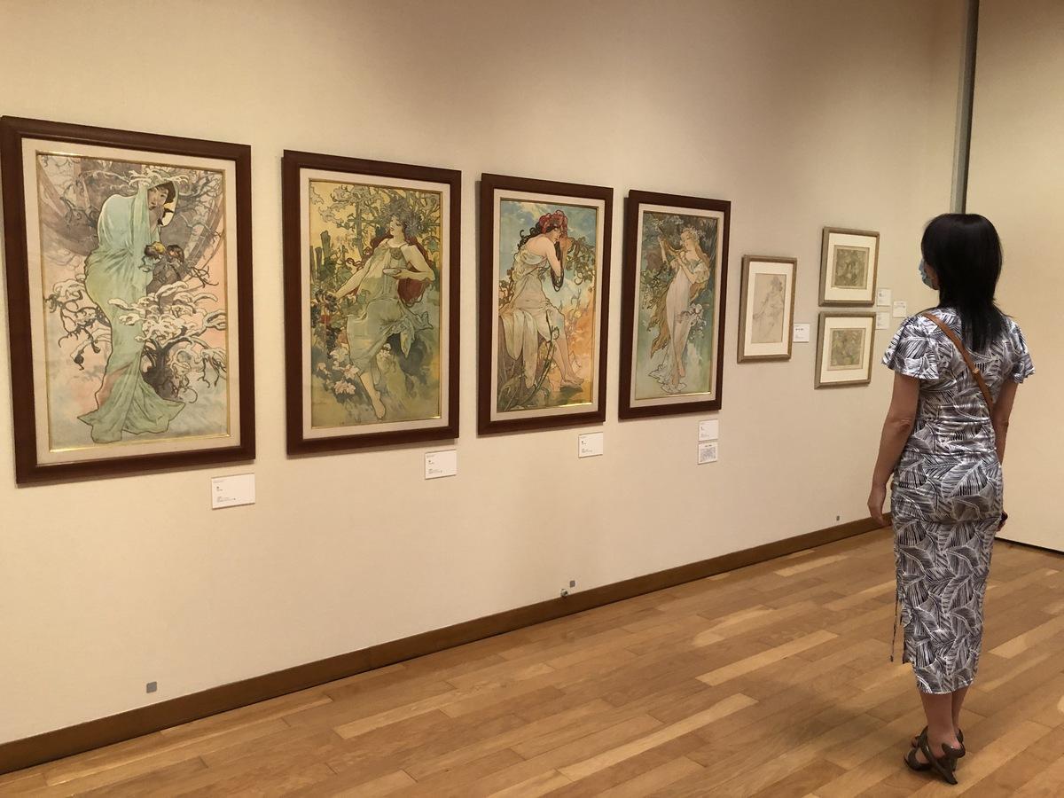 秋田県立近代美術館(横手市)で開催中の「ミュシャ展」