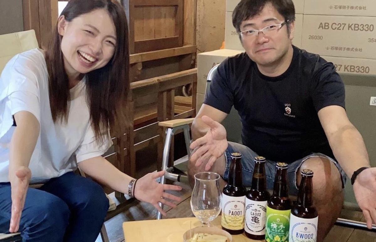 オンラインイベントを企画した「旅のわツアー」の齋藤あゆみ社長(左)と「羽後麦酒」の鈴木隆弘社長