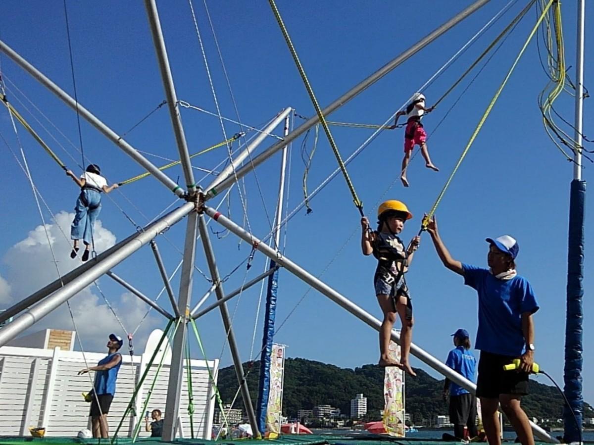 大ジャンプに挑戦する子どもたち