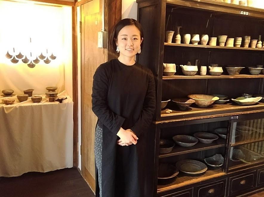 うつわと手仕事の店「onando zushi」の店主、藤本由紀子さん