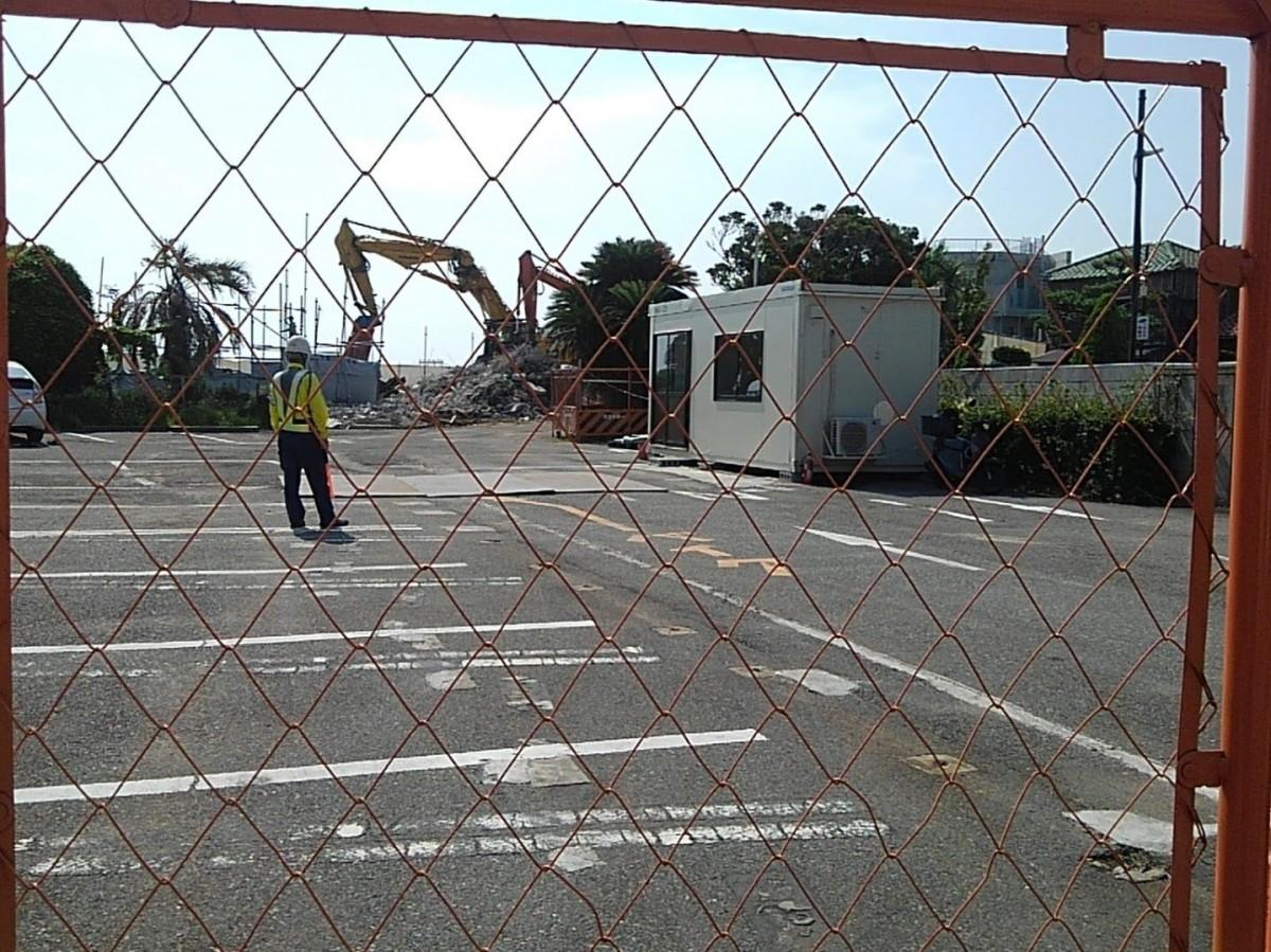 夏に解体された「デニーズ葉山森戸店」(撮影=7月25日)。現在は更地に