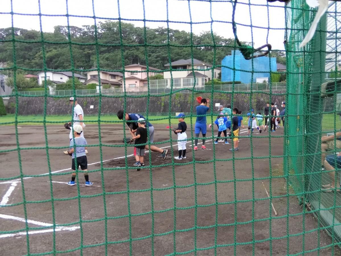 設備の整ったグラウンドで開催された野球教室3回目(提供=逗子リトルリーグ)